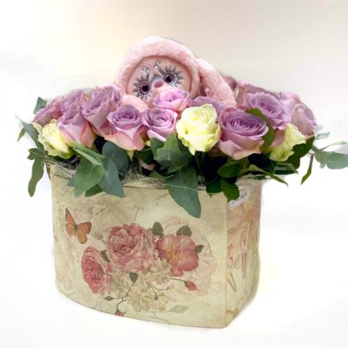 Цветочная композиция «Ласковая зайка»